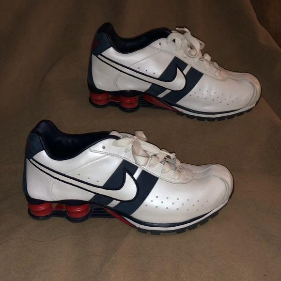 reputable site 6cc4e de331 Nike Shox Men s Classic II Athletic Shoes. M 5c32de9912cd4ad6fdb031d7